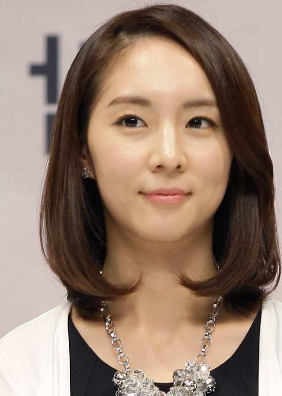 50 Korean Hairstyles That You Can Try Right Now Pertaining To Long Bob Hairstyles Korean (View 14 of 25)