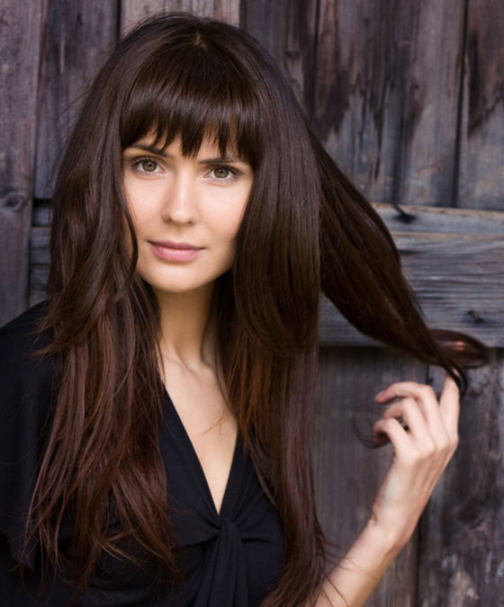 50 Layered Hairstyles With Bangs Within Long Layered Waves And Cute Bangs Hairstyles (View 20 of 25)