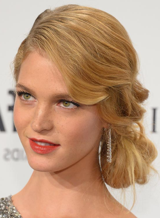 50 Lovely Bun Hairstyles For Long Hair For Spirals Side Bun Prom Hairstyles (View 18 of 25)