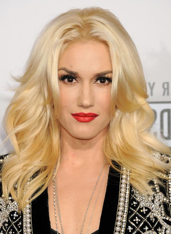 50 Red Carpet Hairstyles Intended For Long Hairstyles Parted In The Middle (View 8 of 25)