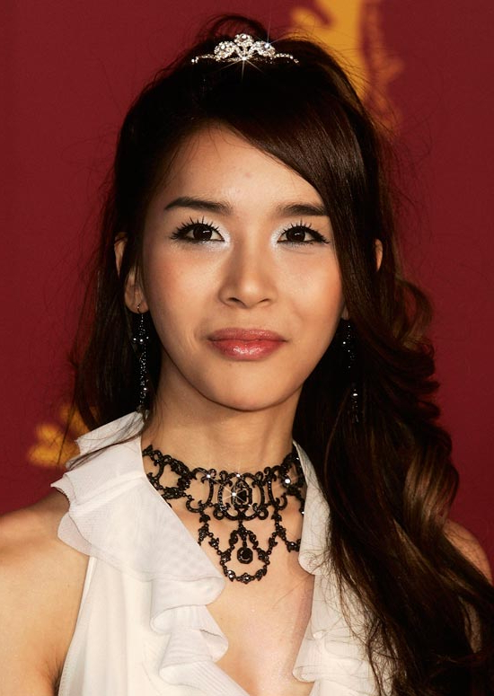 50 Trendy And Easy Asian Girls' Hairstyles To Try Within Long Hairstyles Korean Actress (View 21 of 25)