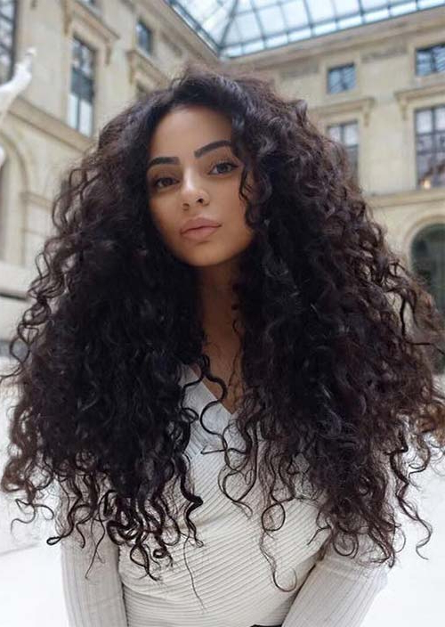 51 Chic Long Curly Hairstyles: How To Style Curly Hair – Glowsly Intended For Long Curly Hairstyles (View 11 of 25)