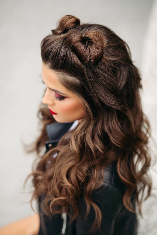 55 Popular Prom Hairstyles For Women (Photos) In Asymmetrical Knotted Prom Updos (View 23 of 25)