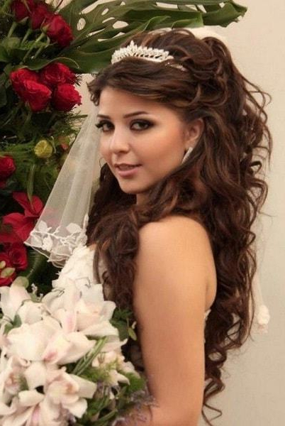 55 Ravishing Wedding Hairstyles For Long Hair – Hairstylecamp With Regard To Brides Long Hairstyles (View 9 of 25)