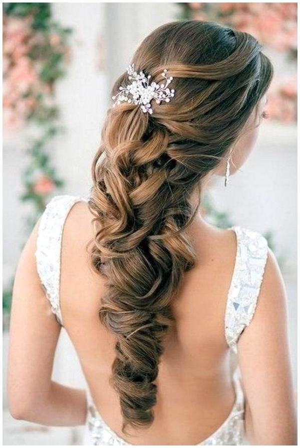 59 Prom Hairstyles To Look The Belle Of The Ball | Hairstylo In Long Hairstyles For A Ball (View 6 of 25)