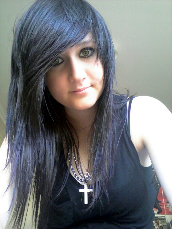 68 Sexy & Expressive Emo Hairstyles For Every Occasion Within Emo Long Hairstyles (View 16 of 25)