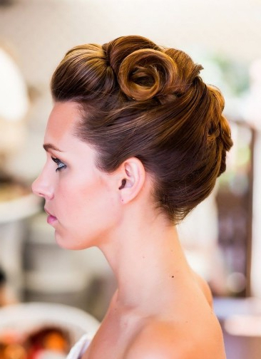7 Dainty Vintage Updo Hairstyles – Pretty Designs Throughout Vintage Updos Hairstyles For Long Hair (View 10 of 25)