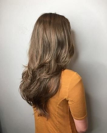 7 Long Hairstyles With Layers To Try This Summer In 2019 | Long Inside Mid Back Brown U Shaped Haircuts With Swoopy Layers (View 4 of 25)