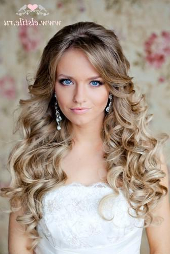72 Best Wedding Hairstyles For Long Hair 2019 | Wedding Forward Within Curly Hairstyles For Weddings Long Hair (View 19 of 25)