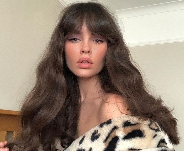 8 Different Types Of Bangs To Try In 2019 (With Inspo Gallery) | All throughout Long Haircuts With Swoop Bangs