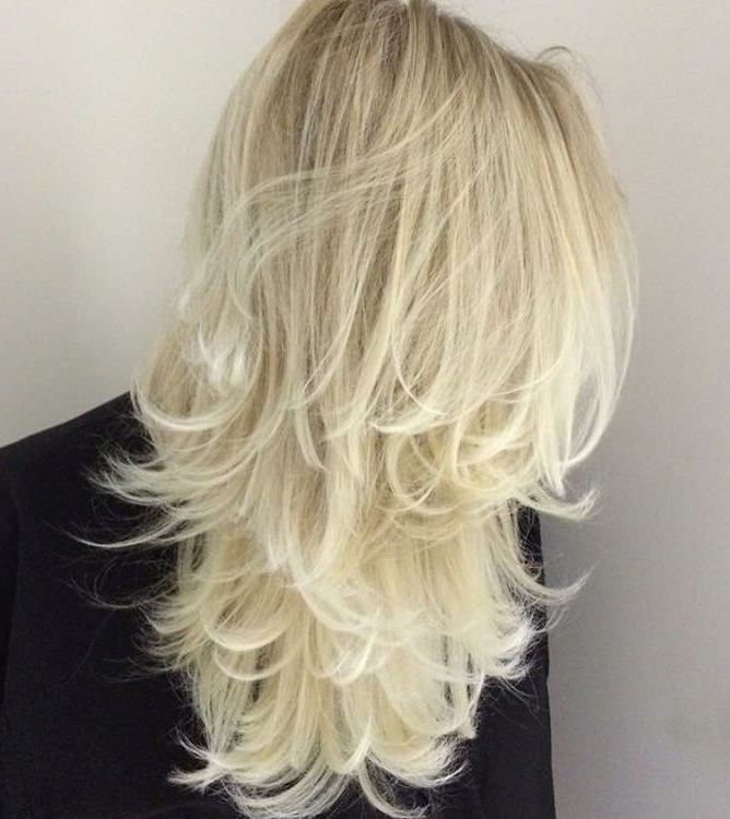 80 Cute Layered Hairstyles And Cuts For Long Hair – Page 50 for White-Blonde Flicked Long Hairstyles