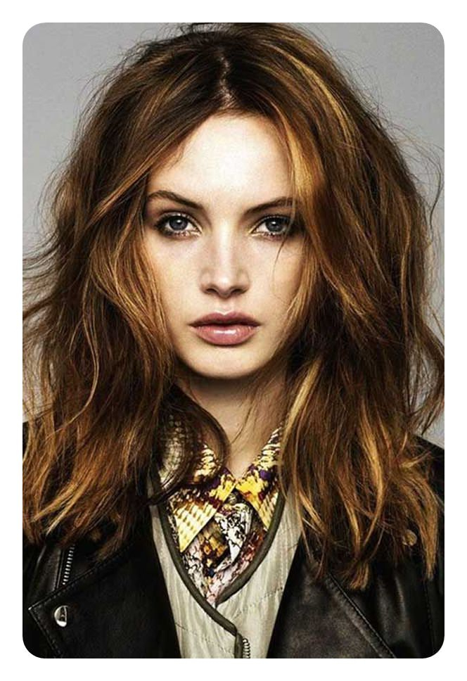 88 Beautiful And Flattering Haircuts For Oval Faces Pertaining To Long Hairstyles Oval Face (View 16 of 25)