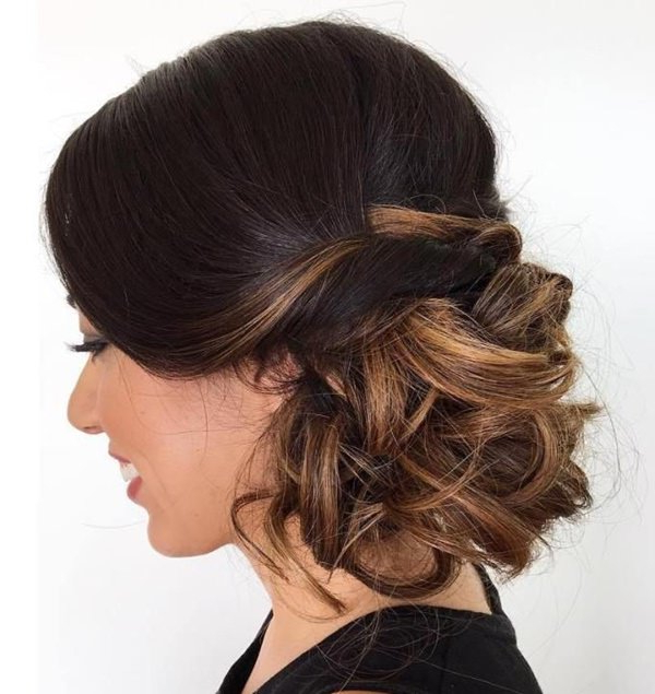 98 Gorgeous Side Bun Hairstyles To Fall In Love With With Regard To Side Bun Prom Hairstyles With Soft Curls (View 3 of 25)