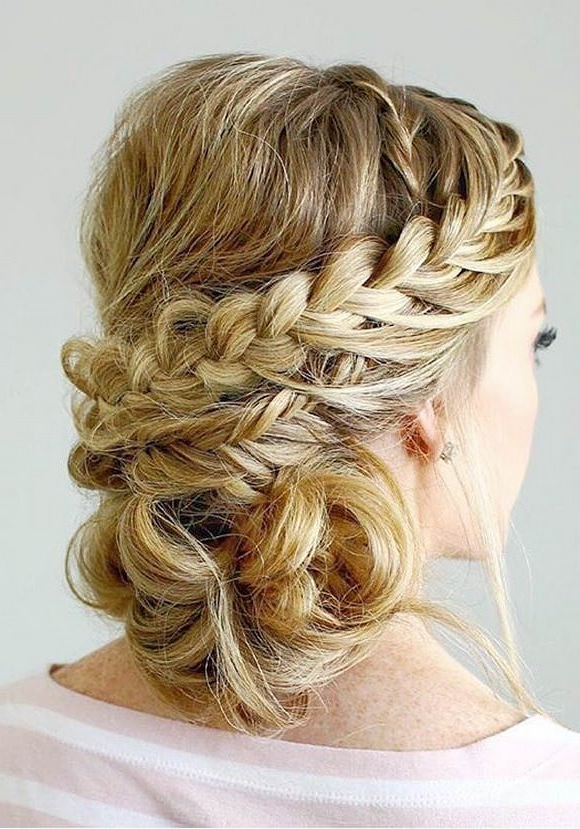 99 Most Fashionable Prom Hairstyles This Year In Side Bun Prom Hairstyles With Soft Curls (View 5 of 25)
