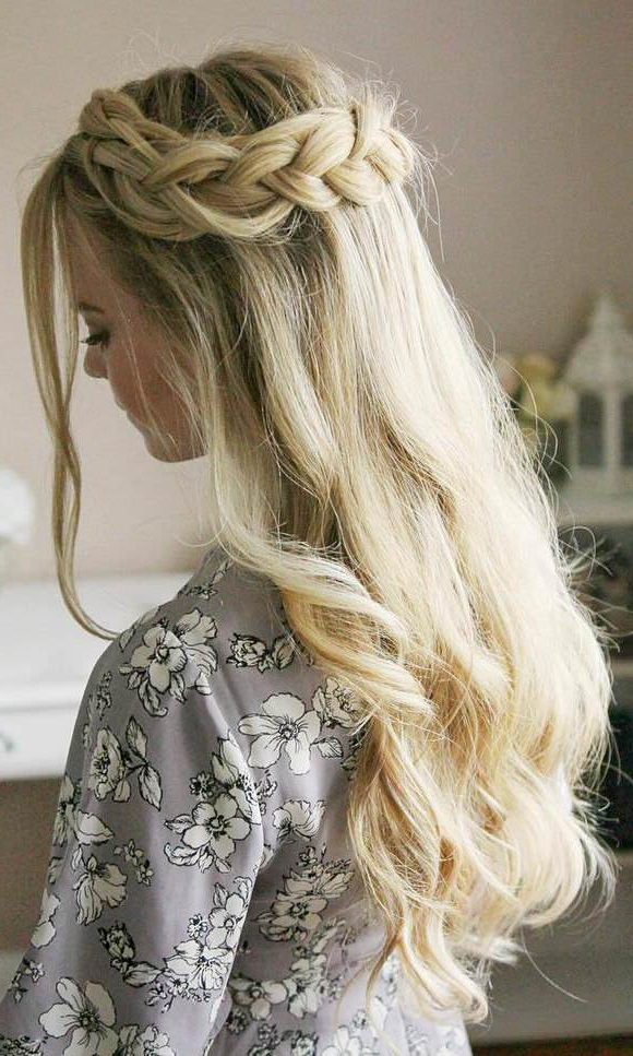 99 Most Fashionable Prom Hairstyles This Year With Loose Messy Waves Prom Hairstyles (View 9 of 25)