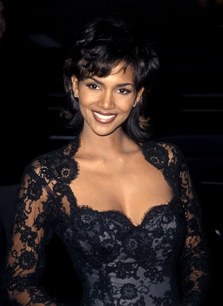 An Exploration Of Halle Berry's Ever Changing Hairstyles And Age With Regard To Halle Berry Long Hairstyles (View 16 of 25)