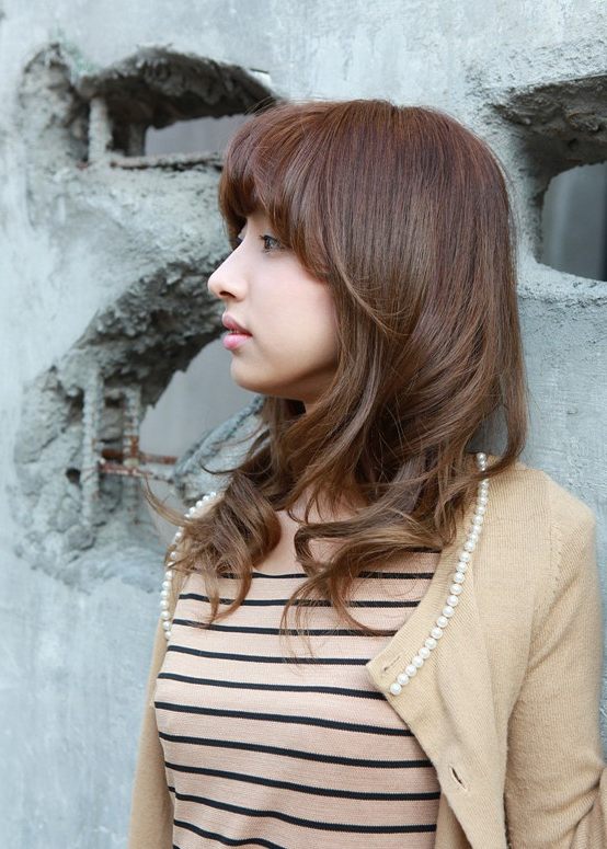 Asian Girls Shoulder Length Wavy Hairstyle With Full Bangs With Long Wavy Hairstyles Korean (View 24 of 25)
