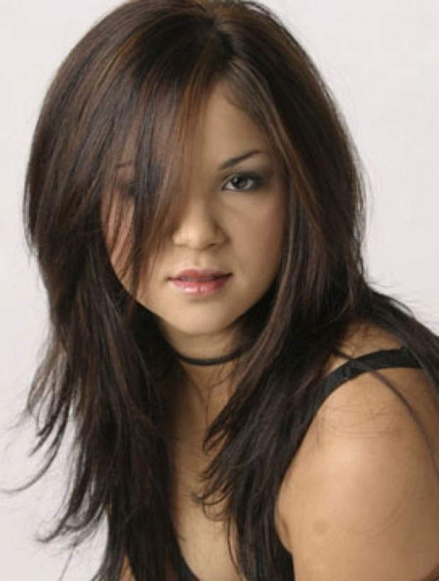 Ask A Hairstylist: The Best Cuts For Straight Hair And A Round Face For Haircuts For Chubby Face Long Hair (View 13 of 25)