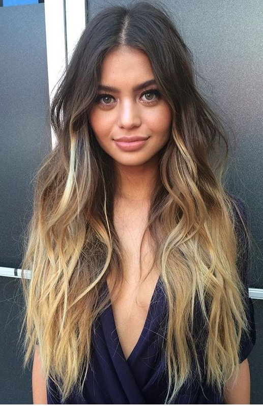 Balayage Vs Ombré : The Difference Between Ombré & Balayage Intended For Long Dark Hairstyles With Blonde Contour Balayage (View 9 of 25)