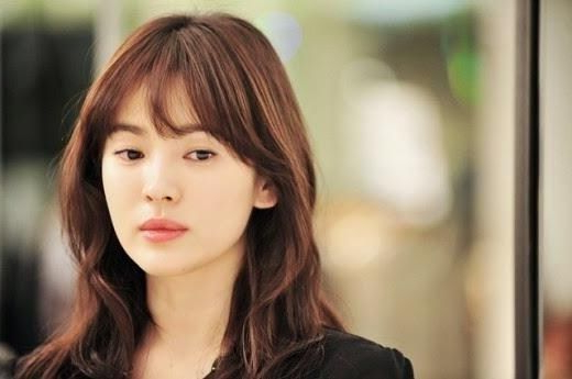 Featured Photo of Long Hairstyles Korean Actress