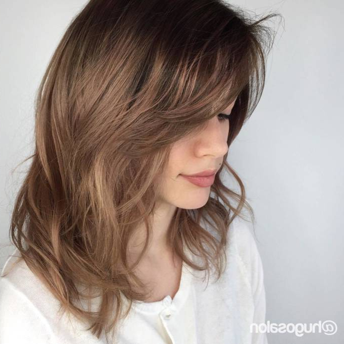 Best Feather Cut Hairstyles & Haircuts In Long Feathered Layers For U Shaped Haircuts (View 14 of 25)