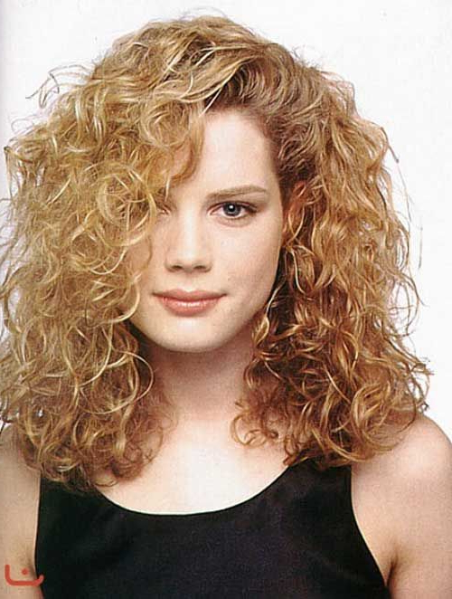 Best Haircuts For Long Thick Hair 20 Best Haircuts For Thick Curly Throughout Long Haircuts For Thick Curly Hair (View 12 of 25)