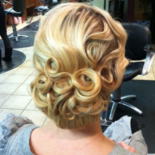 Best Hairstyle For Men With Square Face | Finger Wave Updo | Vintage Pertaining To Flowing Finger Waves Prom Hairstyles (View 2 of 25)