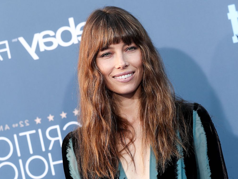 Best Hairstyles For Oval Faces 2019 According To Hair Experts With Regard To Long Haircuts With Bangs For Oval Faces (View 12 of 25)