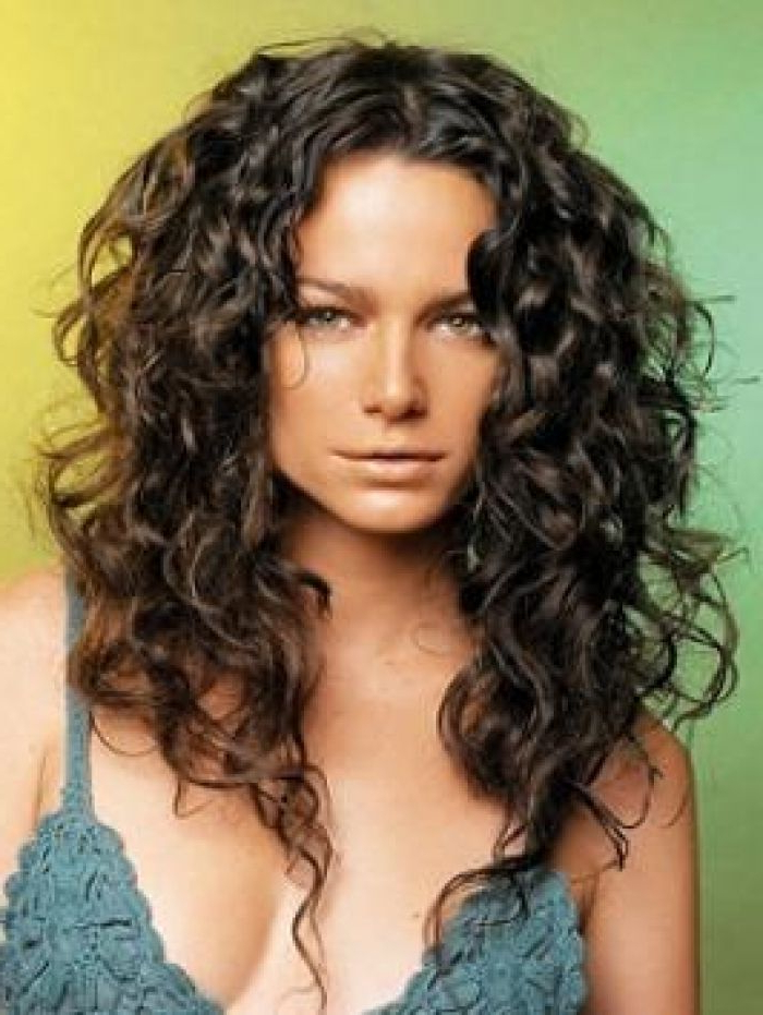 Best Style For Thick Wavy Hair | Best Hairstyles For Coarse Curly Intended For Haircuts For Long Thick Coarse Hair (View 23 of 25)