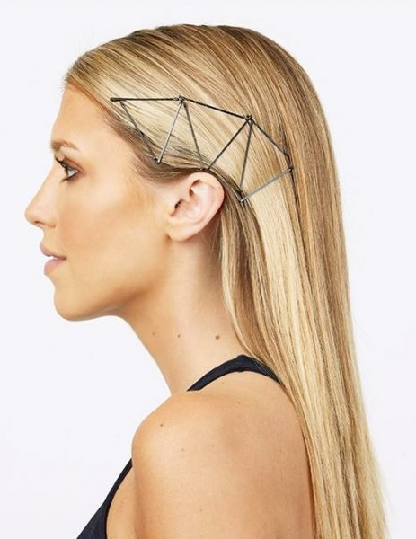 Bobby Pin Hairstyles: Unexpected Ways To Wear Bobby Pins Intended For Long Hairstyles With Bobby Pins (View 22 of 25)
