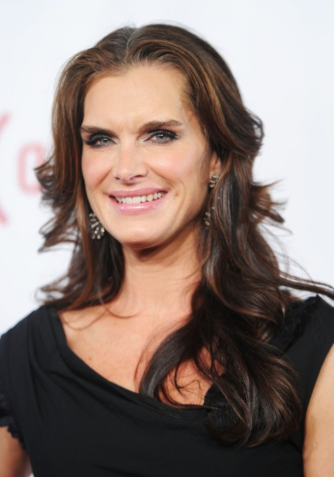 Brooke Shields Long Wavy Hairstyles – Popular Haircuts With Regard To Long Hairstyles Women Over (View 20 of 25)