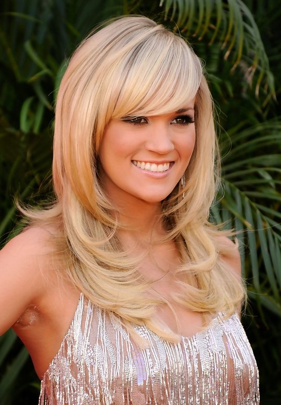 Carrie Underwood Layered Hairstyle With Side Swept Bangs | Styles Weekly Throughout Long Hairstyles With Side Swept Bangs And Layers (View 6 of 25)
