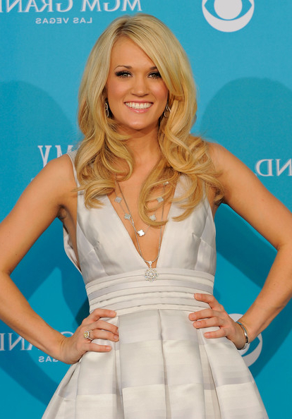 Carrie Underwood Long Curls – Carrie Underwood Long Hairstyles Looks Inside Carrie Underwood Long Hairstyles (View 17 of 25)