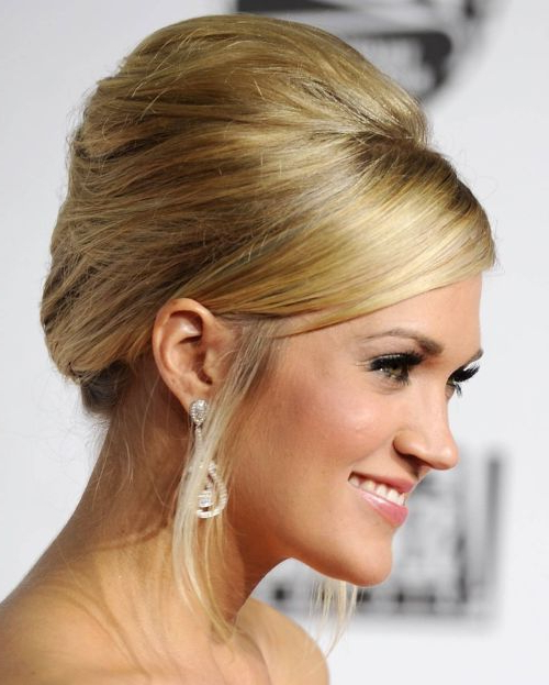 Carrie Underwood's Long Blonde Hair In French Twist Formal Hairdo Intended For Classic French Twist Prom Hairstyles (View 18 of 25)