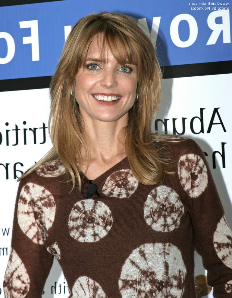Courtney Thorne Smith | Long Low Maintenance Hairstyle For A Long Neck Regarding Long Neck Hairstyles (View 7 of 25)