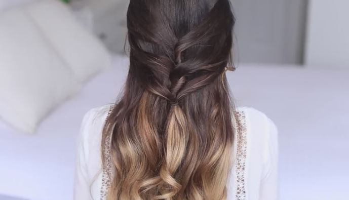 Cute Half Up Half Down Hairstyle For Long, Curly Or Straight Hair For Half Up Hairstyles For Long Straight Hair (View 22 of 25)