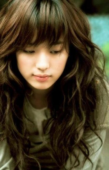 Cute Korean Long Soft Wavy Hairstyles With Bangs Hair For Young With Regard To Long Wavy Hairstyles Korean (View 21 of 25)