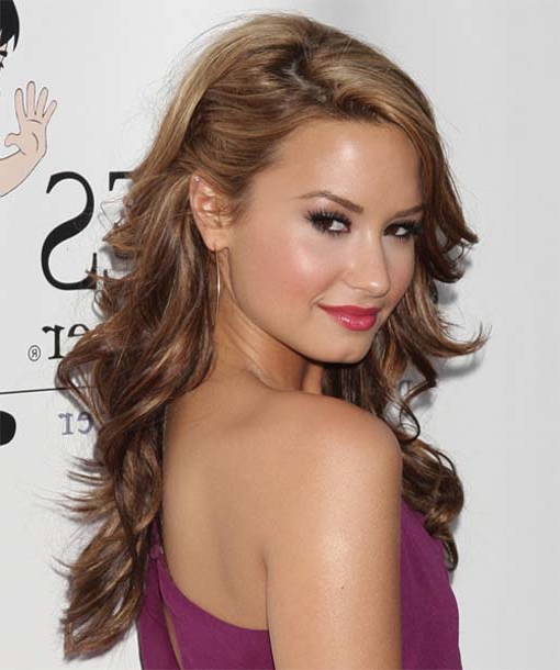 Demi Lovato Hairstyles Full Of Life Within Demi Lovato Long Hairstyles (View 23 of 25)