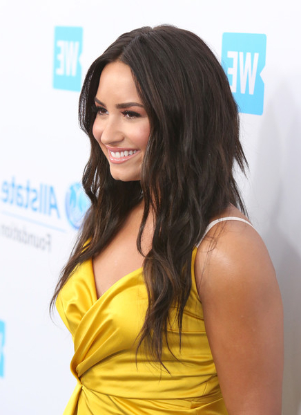 Demi Lovato Layered Cut - Demi Lovato Long Hairstyles Looks with Demi Lovato Long Hairstyles
