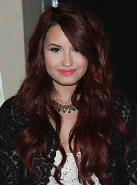 Demi Lovato Wavy Hairstyles 2013 – Popular Haircuts For Demi Lovato Long Hairstyles (View 22 of 25)