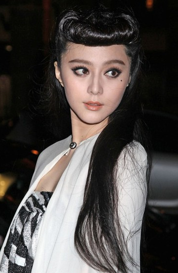 Fan Bingbing Long Black Retro Hairstyle – Hairstyles Weekly Within Chinese Long Hairstyles (View 14 of 25)