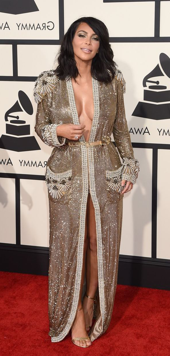 Get Kim Kardashian's Gorgeous Grammy's Long Wavy Bob Hairstyle Pertaining To Long Bob Hairstyles Kim Kardashian (View 23 of 25)