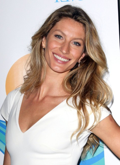 Gisele Bundchen Casual Long Hair Style - Popular Haircuts for Long Hairstyles Casual