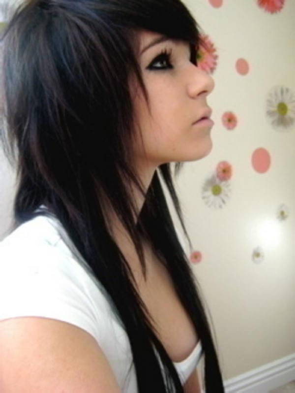 Featured Photo of Emo Long Hairstyles
