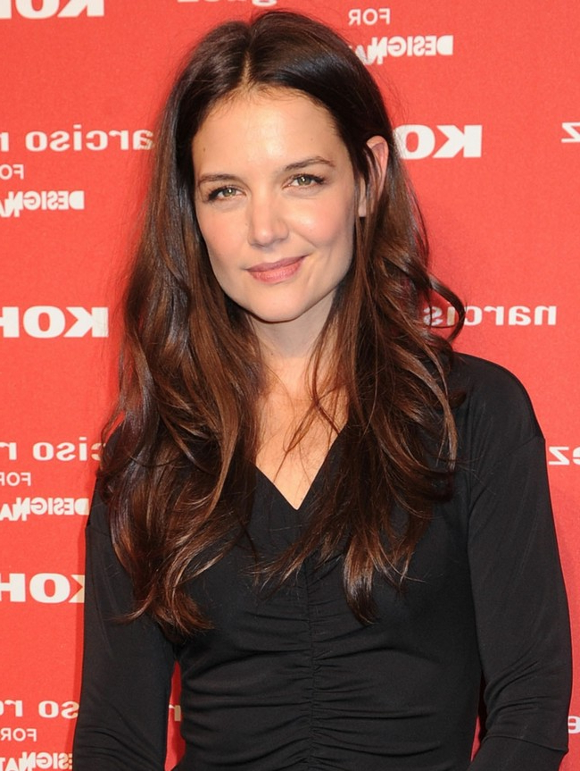 Hairstyle With Grades Of Katie Holmes Long Hair Lure Middle Parting • Intended For Katie Holmes Long Hairstyles (View 17 of 25)