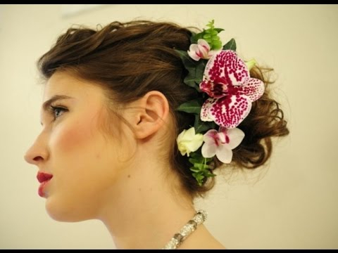 Hairstyle With Orchid Flower Inside Side Bun Prom Hairstyles With Orchids (View 5 of 25)
