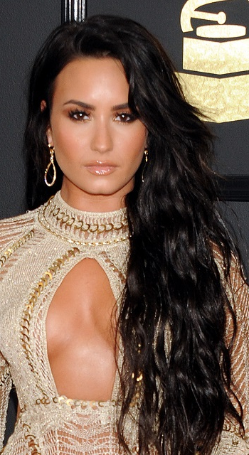 Hairstyles: Demi Lovato – Long Beachy Hairstyle With Regard To Demi Lovato Long Hairstyles (View 16 of 25)