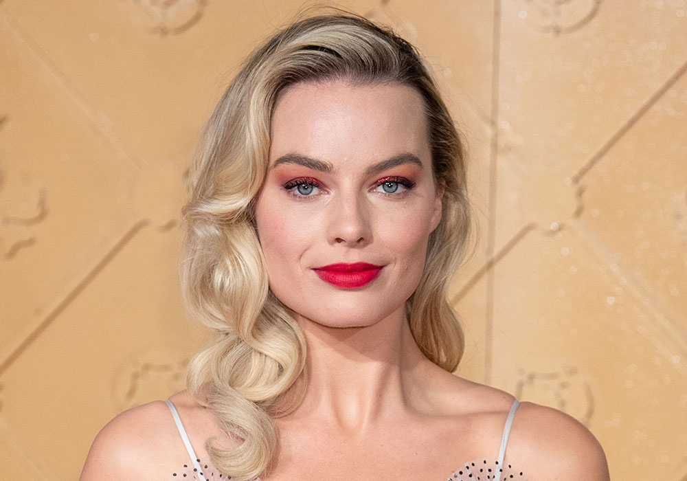 Hairstyles For Square Faces 2019 That'll Flatter Your Angles Regarding Square Face Long Hairstyles (View 19 of 25)