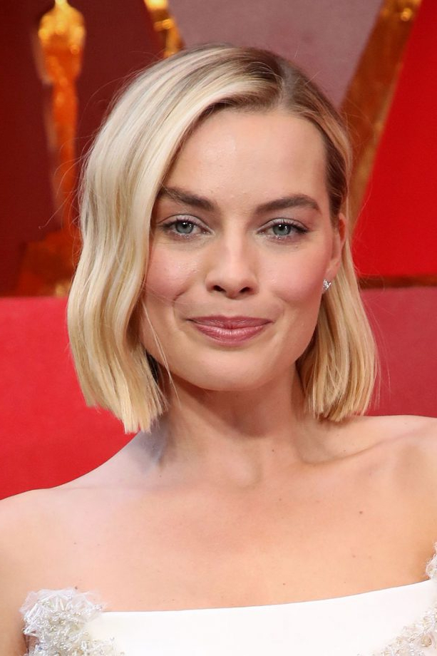 Hairstyles For Square Faces 2019 That'll Flatter Your Angles With Long Hairstyles For Square Jaw (View 7 of 25)