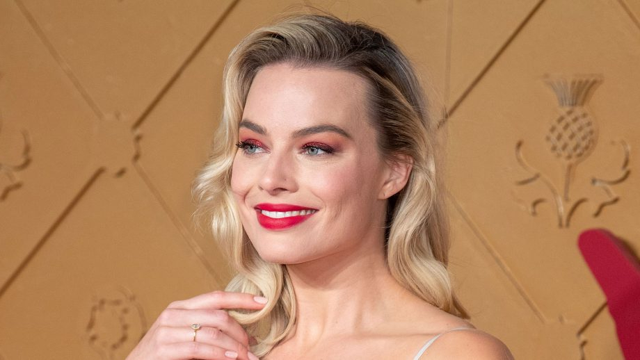 Hairstyles For Square Faces 2019 That'll Flatter Your Angles With Long Hairstyles Square Face (View 25 of 25)